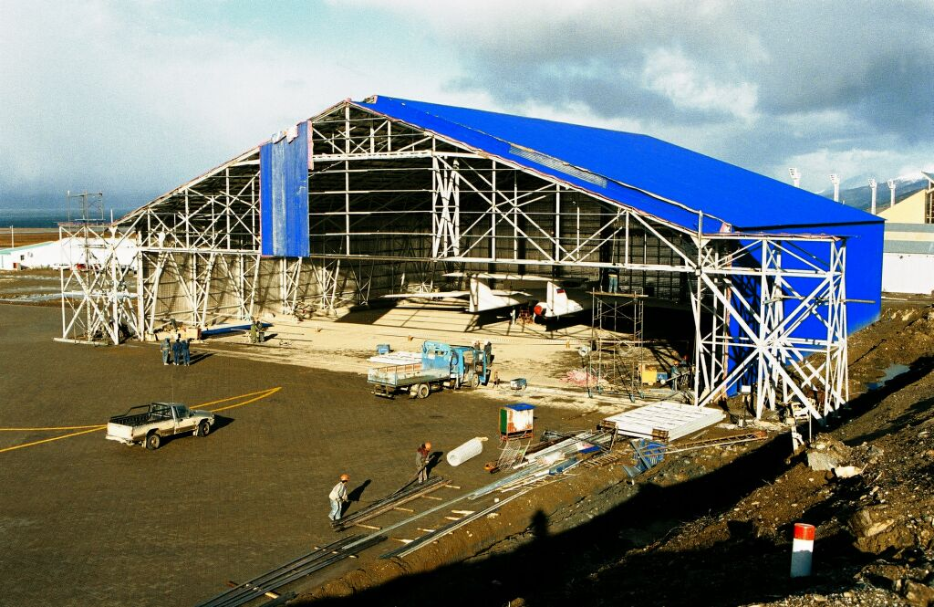 New hangar in Ushuaia, 1999.